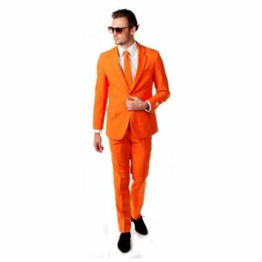 Compleet oranje pak inclusief das voor carnaval