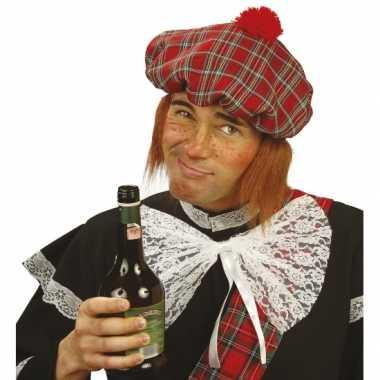 Geruite Schotse pet met pruik voor carnaval