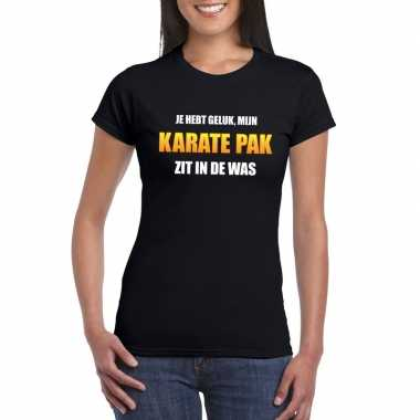 Karatepak zit in de was dames carnaval t-shirt zwart voor