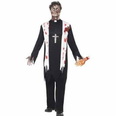 Priester kostuum bebloed voor carnaval
