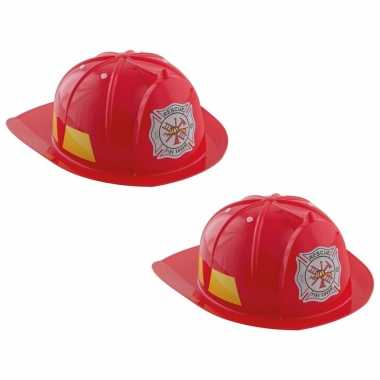 Set van 2x stuks rode brandweerhelmen verkleed accessoire voor kinderen carnaval